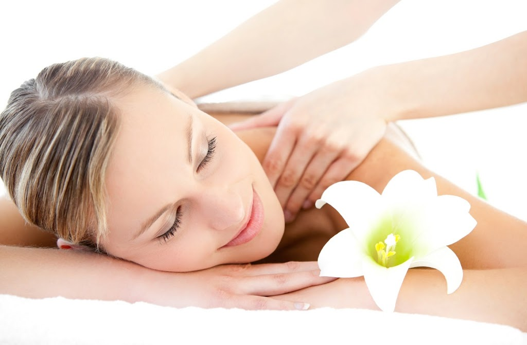 Relaxed-Woman-Back-Massage-iStock_000013541376Large1