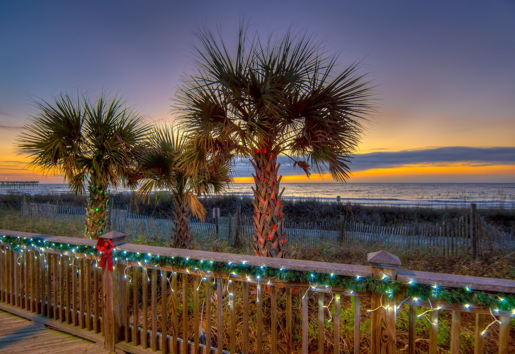 Enjoy our Myrtle Beach December Calendar of Holiday Events 2017 during your stay at Plantation Resort.
